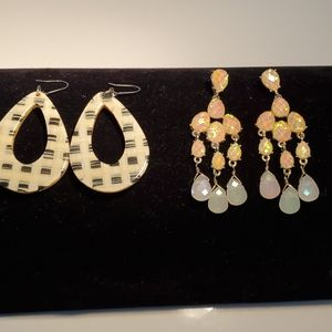 Two pair of earrings, yellow stones chandelier.